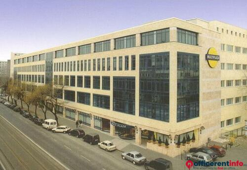 Offices to let in Multi Plaza