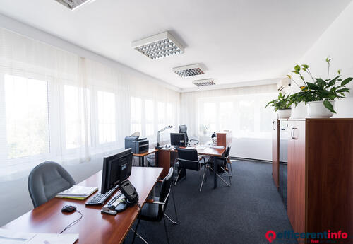 Offices to let in Hunyadi J. út 42.